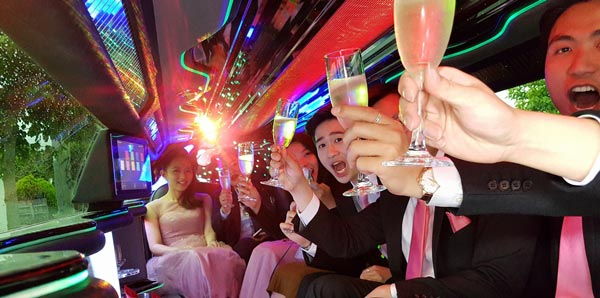 Limo Hire Melbourne for parties, weddings and funerals
